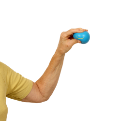 Travail de la motricité fine et renforcement musculaire de la main et des doigts.
